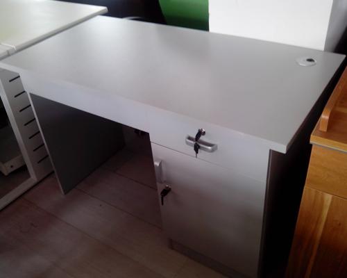 1.2米灰白色电脑桌