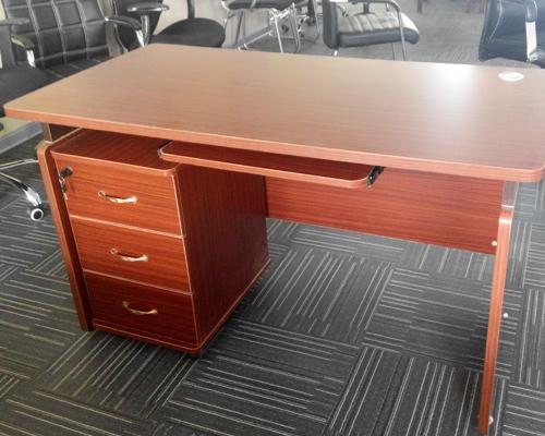 1.4米红色电脑桌