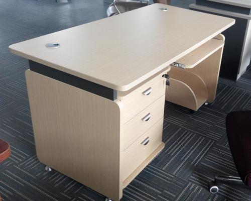 1.4米浅木色电脑桌