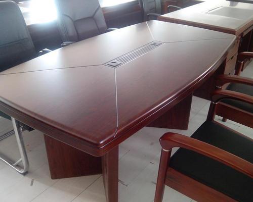大连油漆会议桌