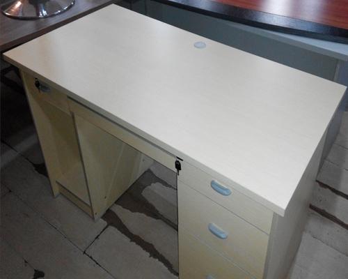 1.4米板式电脑桌