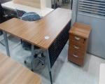 版式电脑桌
